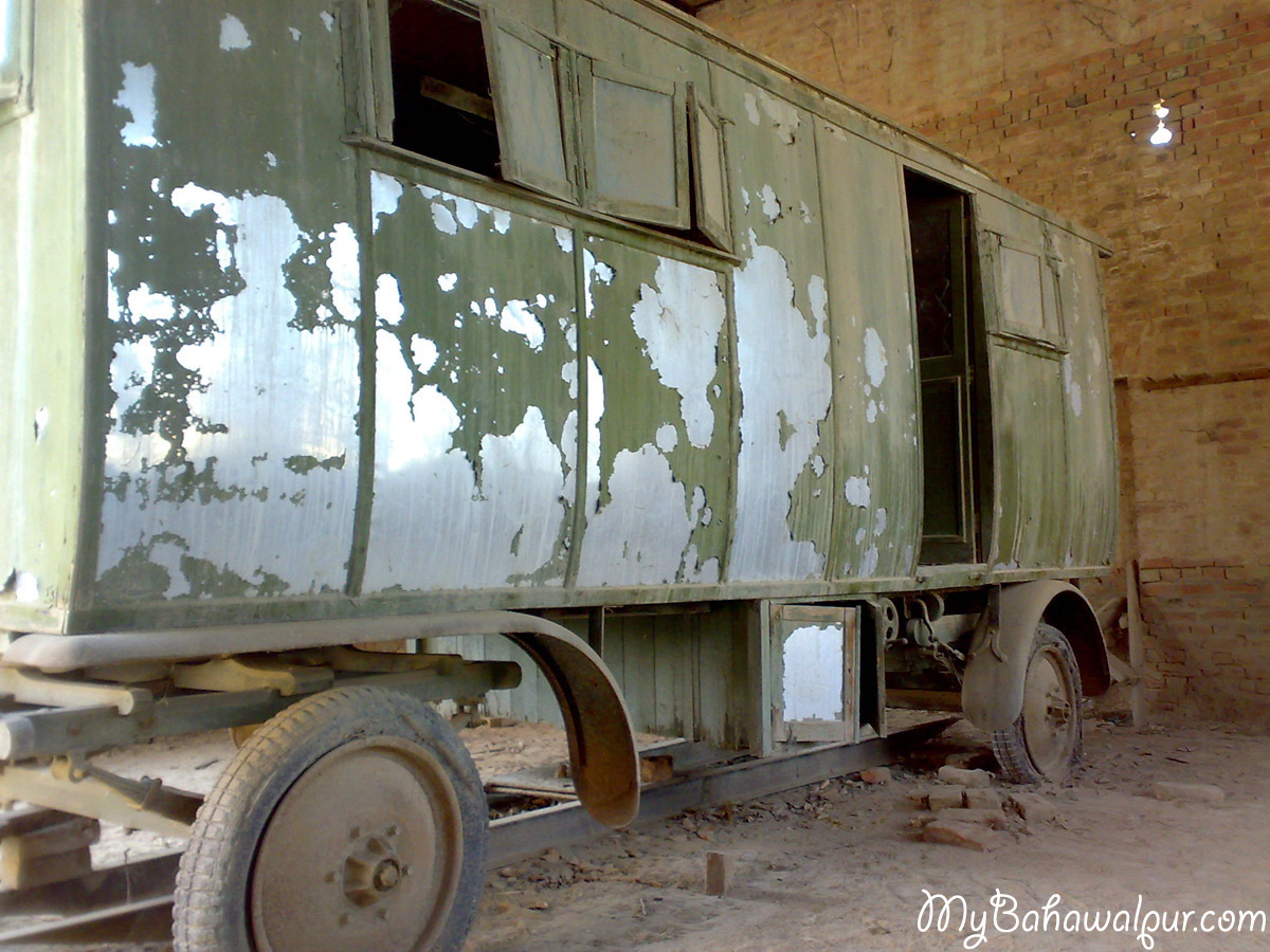 cabin car parked in sadiqgarh palace